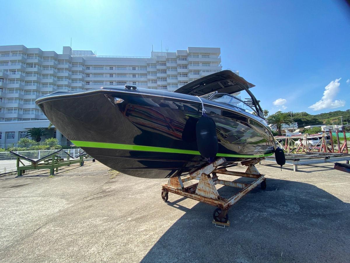 255XE(委託艇)【ヤマハマリーナ琵琶湖にて展示】 写真